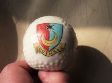 COLLECTABLE VINTAGE CRESTED WARE MINI GOLF BALL DESIGN SOUTHSEA